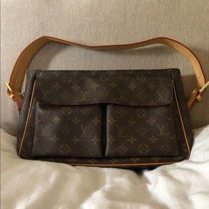 ♥️Louis Vuitton Viva Cite GM ♥️